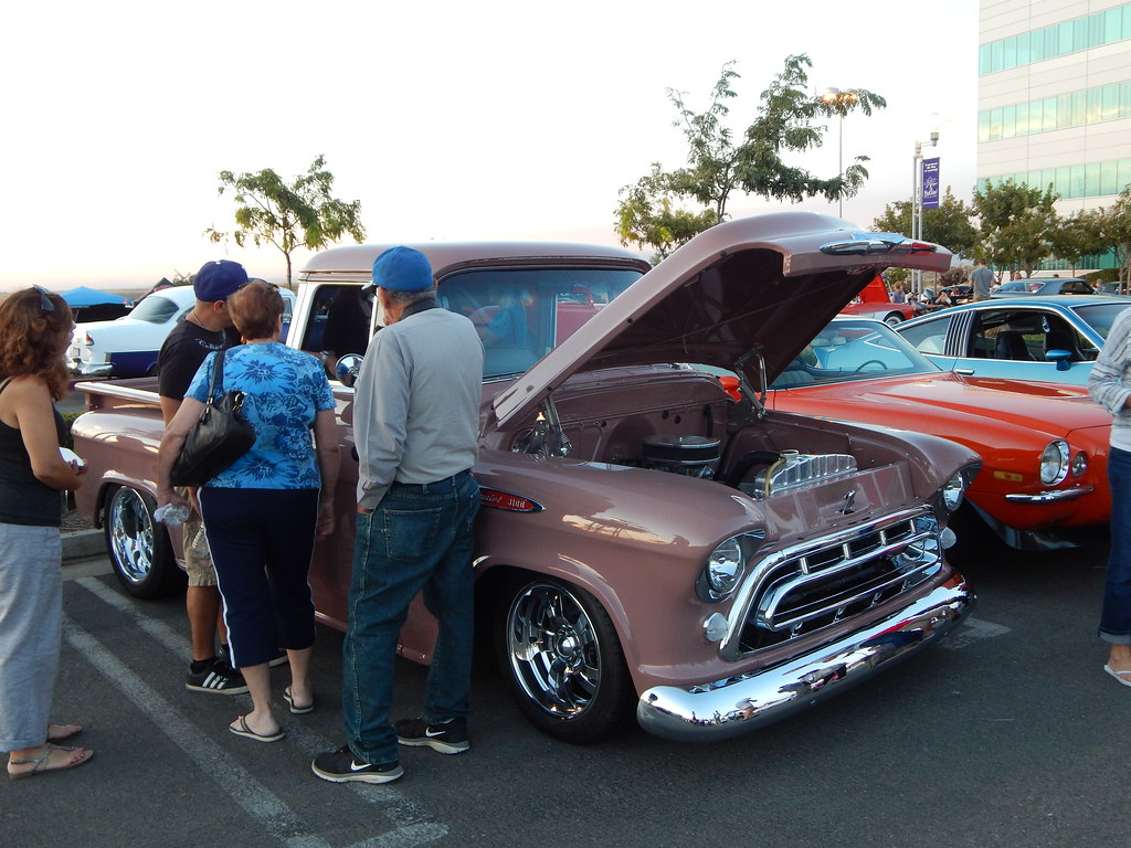 always a crowd around this 57 chevy the color canyon c flickr