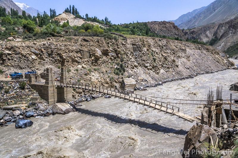 Resultado de imagen para braldu river bridge