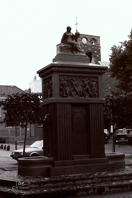 Enschede 1985 - Brandmonument