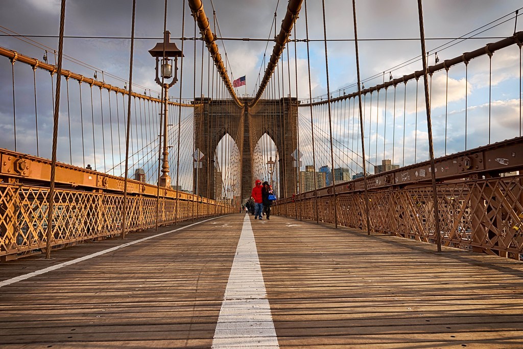 Red Coat on Brooklyn Bridge | I&39m sure there will be some hi… | Flickr