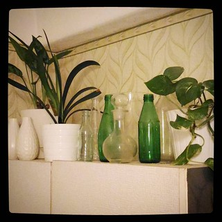 Long gone are the days, when I had no vases at home, but current selection is thrifty at best. For #365days project, 39/365.