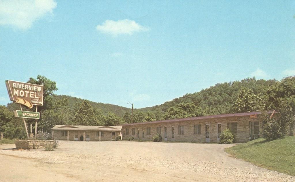 Riverview Motel - Jasper, Arkansas