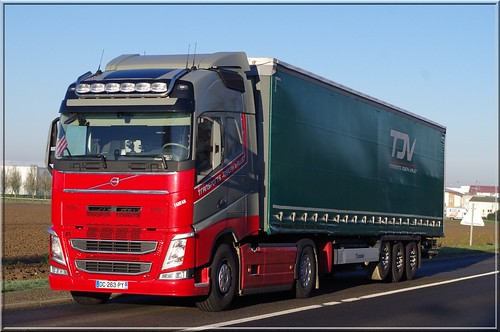Volvo new fh globetrotter tjv transports joseph vallier for Piscine vallier