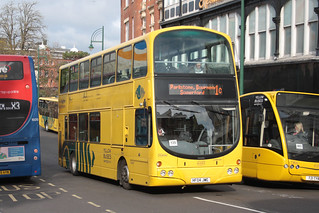 Yellow Buses VGW184 HF04JWE | by peterolding