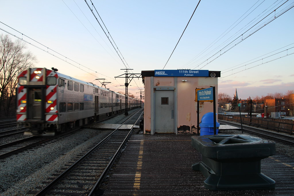 Metra Electric District Train at 111th Street (Pullman)