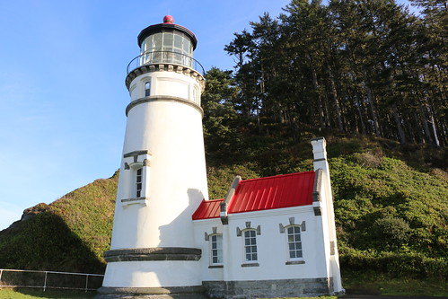 Heceta Head Lighthouse, State Scenic Viewpoint, Highway 101, Benton County, Oregon, 2015 | by travfotos