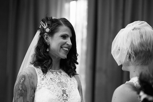 Elyse & Jessie | Kitchener Stylish & Romantic Wedding Photography Photography | by zoeyheath.com