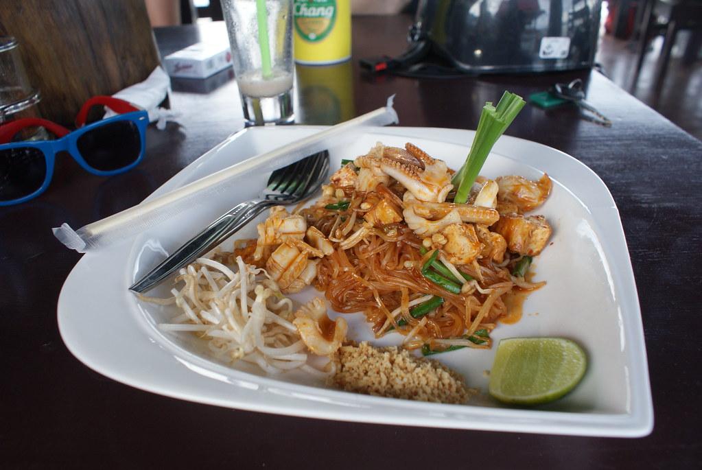 Un bon petit repas thai dans un restaurant d'Old Lanta à Koh Lanta.
