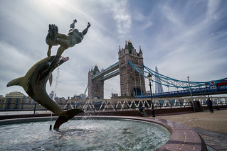 Girl with a Dolphin Statue at Tower Bridge, London - ZEISS Batis 2.8/18 @ f/8 - DSC00074 | by H.Hackbarth