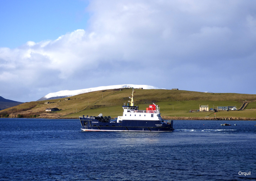 the thorsvoe ferry leaving houton the snow beyond the hout flickr