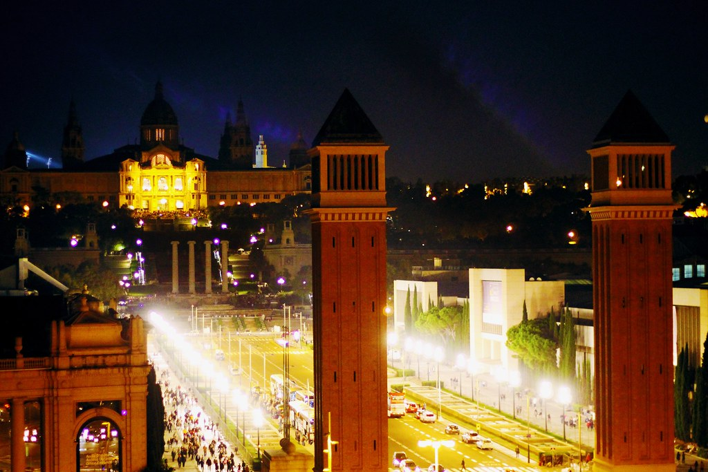 Drawing Dreaming - roteiro para visitar Barcelona - Montjuic - Avenida Reina Cristina