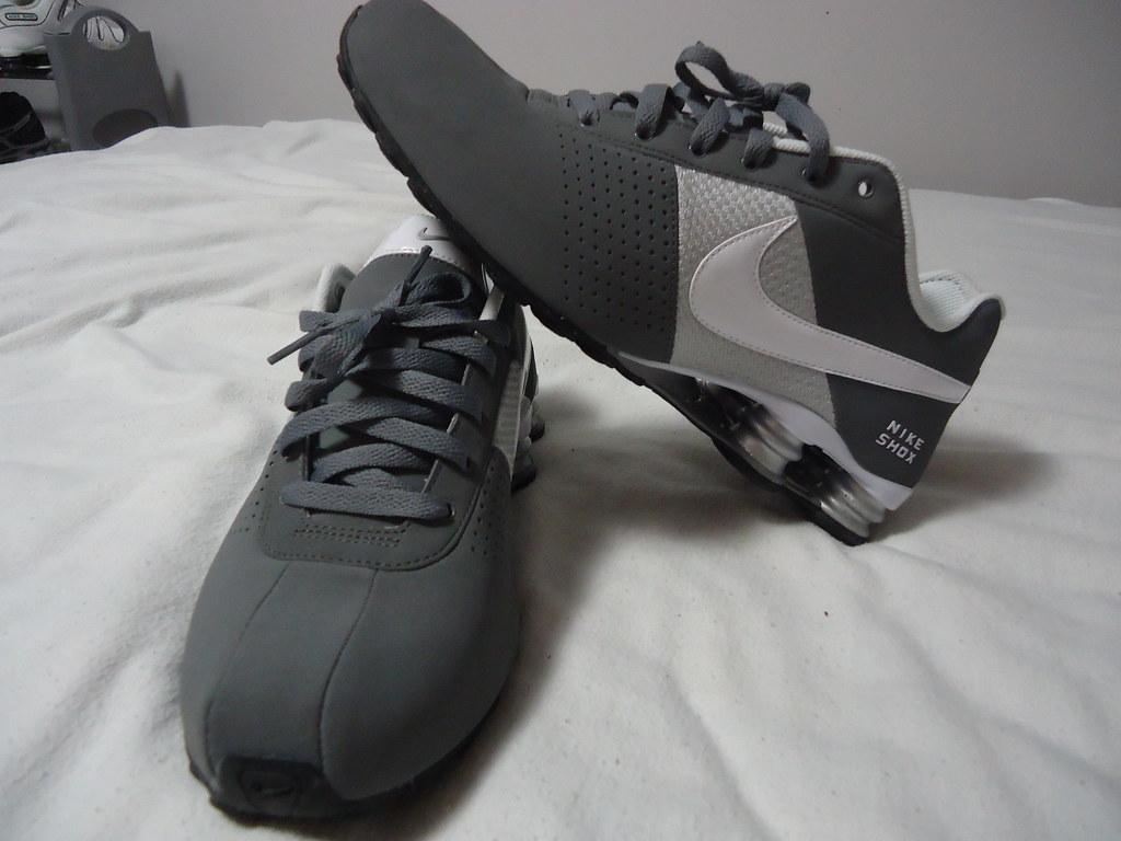 Nike Shox Deliver Grey