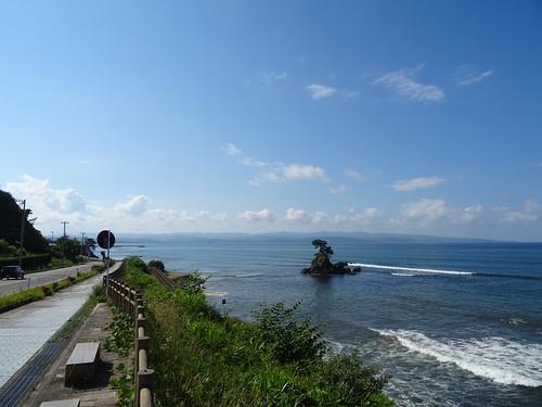 雨晴海岸 (AMAHARASHI coast)