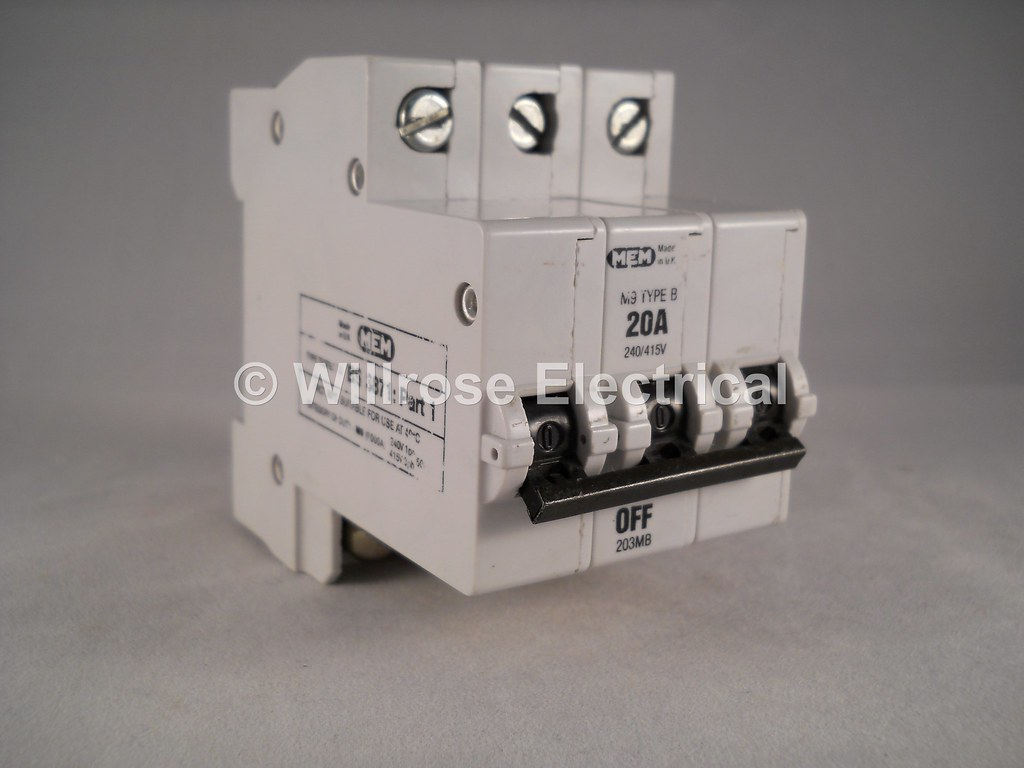 MEM MCB 20 Amp Type B M9 Triple Pole 3 Phase Breaker 20A M… | Flickr