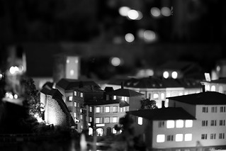 Night lights bokeh Laowa 105mm f/2 STF - DSC09895 | by H.Hackbarth