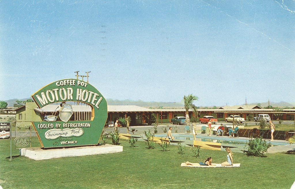 Coffee Pot Motor Hotel - Blythe, California