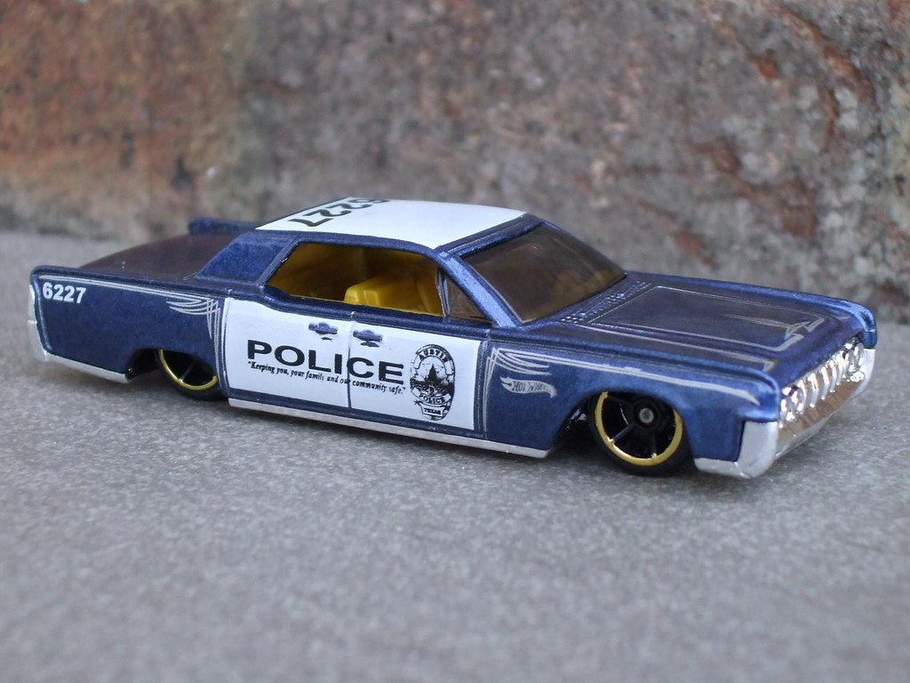 Hot Wheels Lincoln Continental Police Cruiser Car Hot Whee Flickr