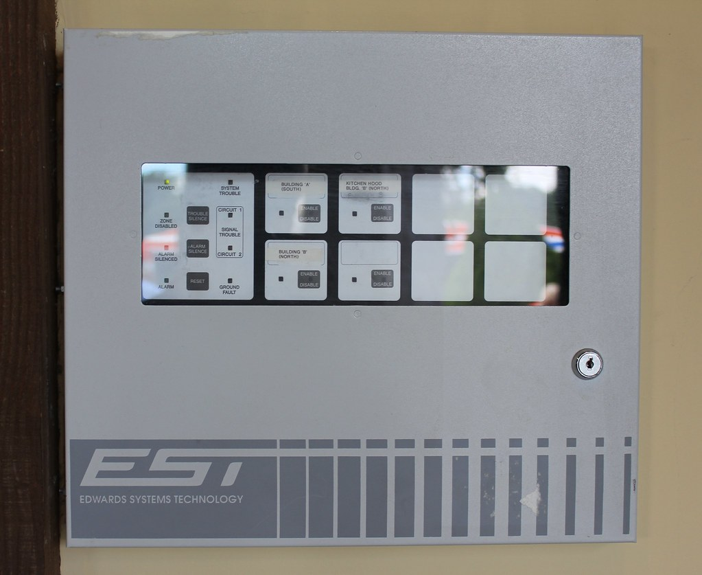 EST1 Fire Alarm Control Panel | Picture taken in Niagara Fal… | Flickr