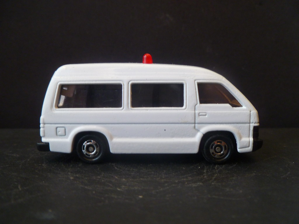 Restoration of Toyota Hi-Ace Japanese Automated Ambulance