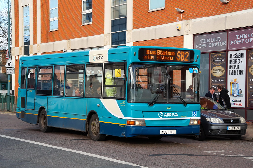 ... Arriva The Shires Ex-Metrobus Dennis Dart SLF Plaxton 3291 Y391HKE in  Stevenage  df4fca5c06e