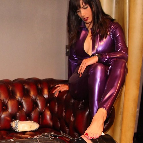 A message from mistress vyxen to all potential slaves - 1 part 1