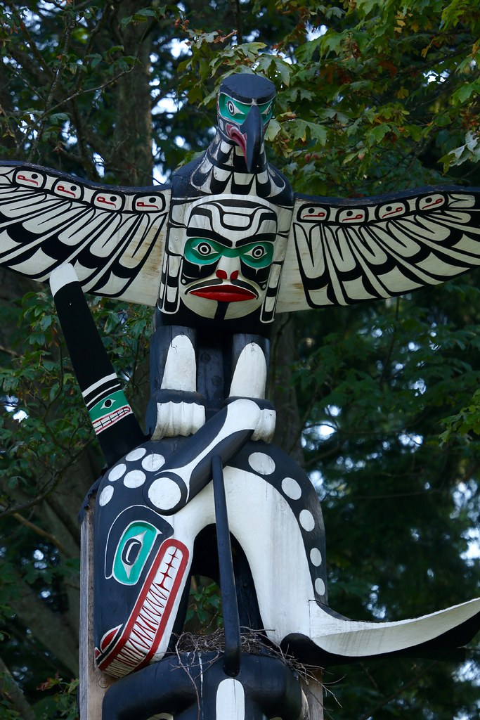 First Nations Totem Pole Bird Nesting Site Vancouver Canad Flickr