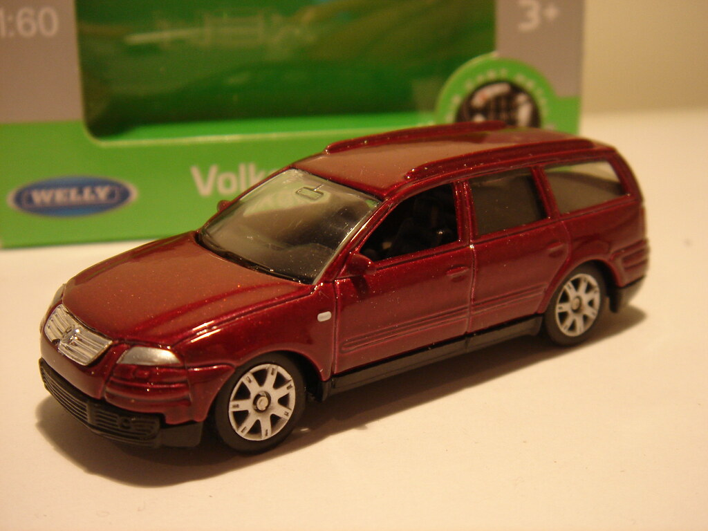 VW vw passat 2001 : WELLY 2001 VW PASSAT VARIANT 1/64 | Looking just as good as … | Flickr