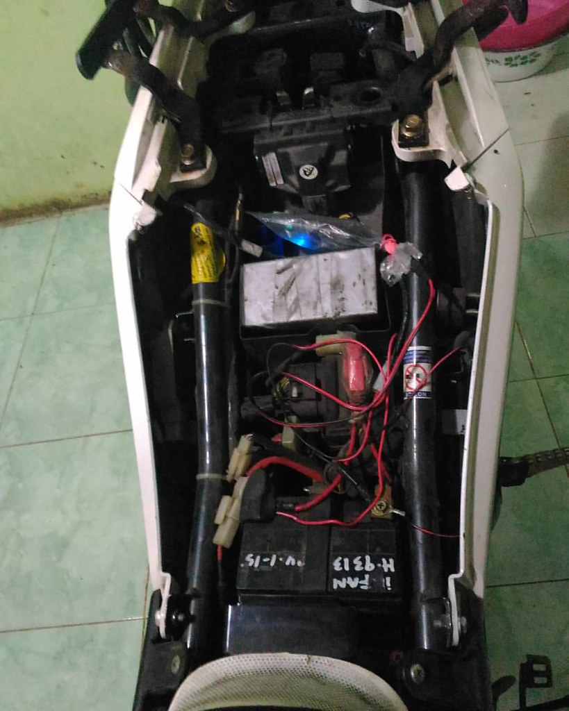 Wiring Yamaha New Vixion Real Diagram Harness Merapikan Kabel Bawah Jok Sincan Lightni Flickr Rh Com Modifikasi Ceper