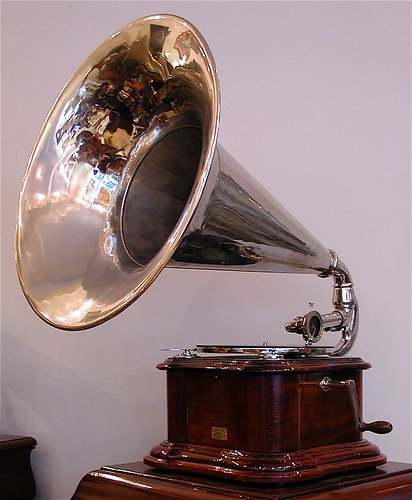 Machine Parlante APGA - Talking machine 1910 | by Phono Museum Paris