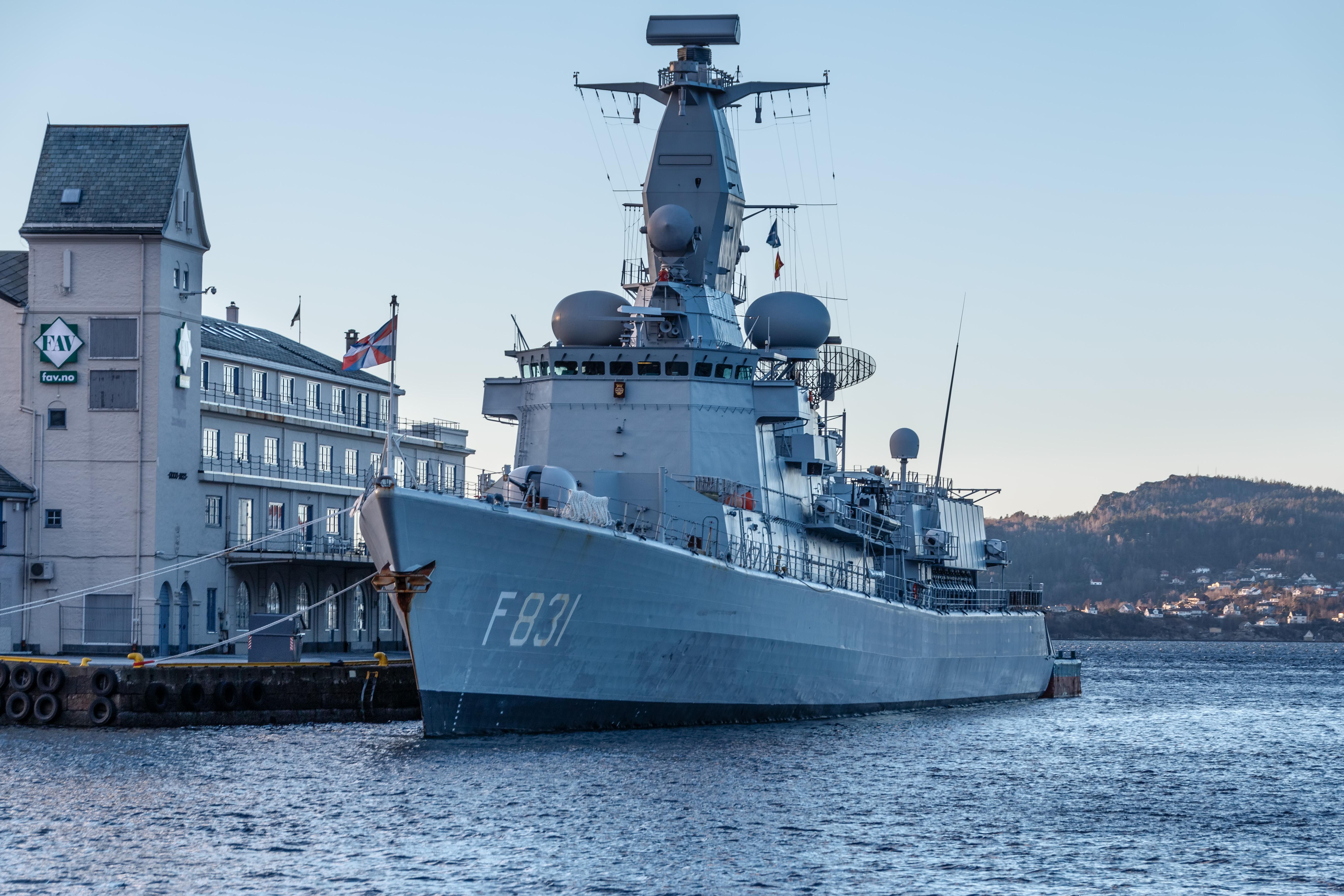 M-klasse fregatten (Karel Doorman M-class frigates) - Page 3 24597081899_3026d6c7aa_o