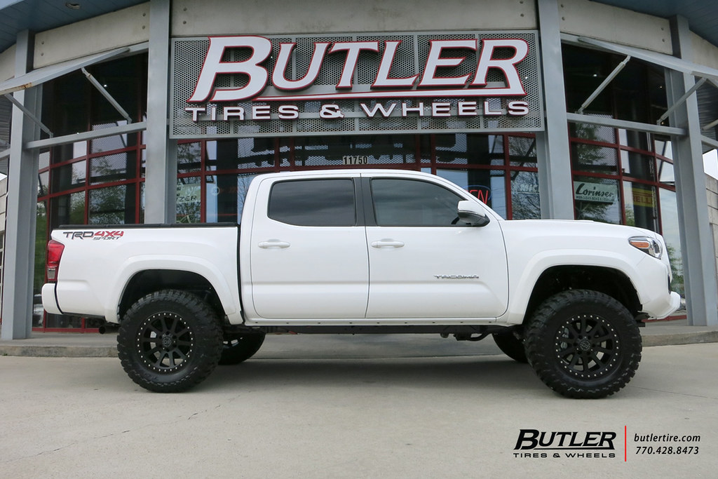 ... Toyota Tacoma With 18in Black Rhino Mint Wheels And Toyo MT Tires With  3in Pro Comp
