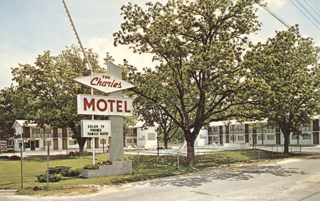 The Charles Motel - Adel, Georgia
