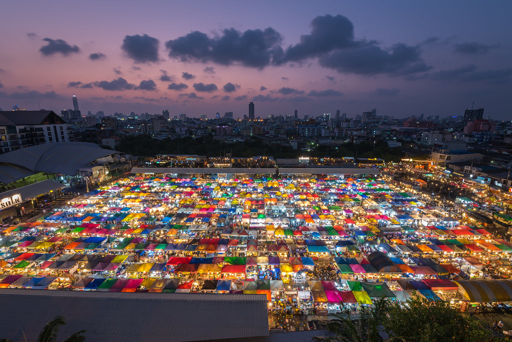 Image result for Rot Fai Market, Ratchada