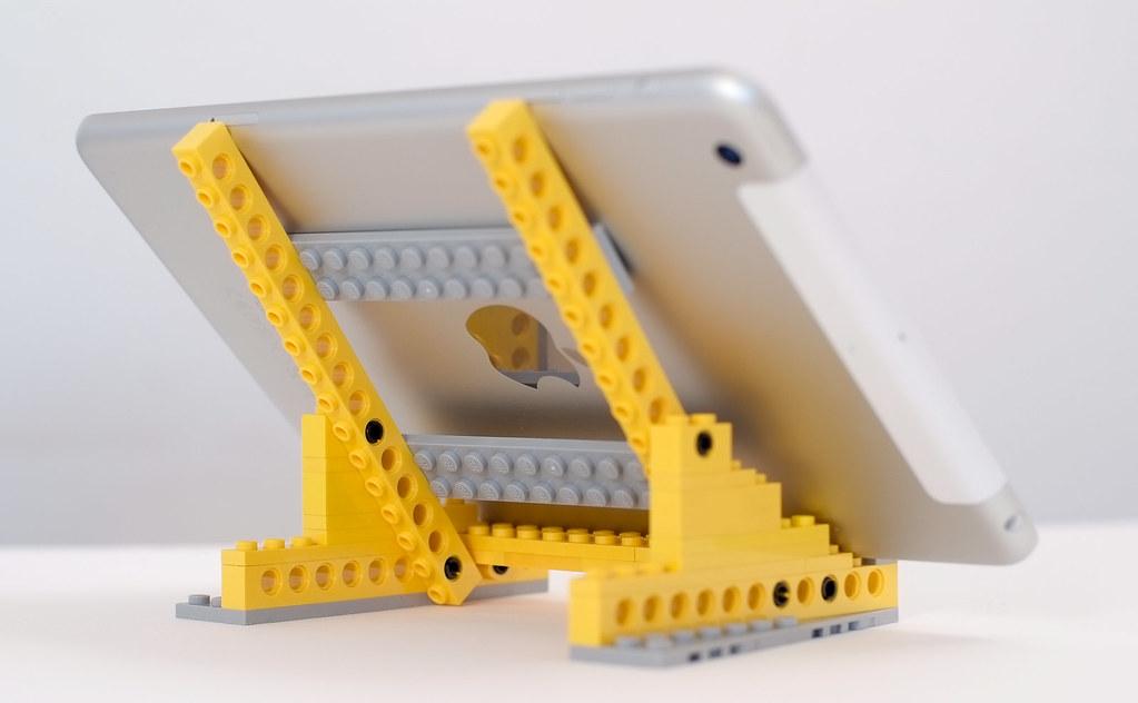 LEGO iPad mini stand | leggi articolo domenicofranco.wordpre… | Flickr