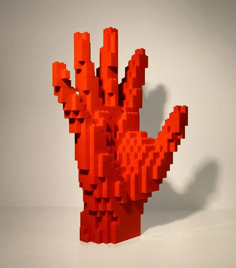 Lego Hand No2 500 Pieces Classic Red Legoartist Sc Flickr
