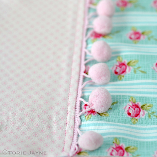 Pretty tote sewing tutorial 7 | by toriejayne
