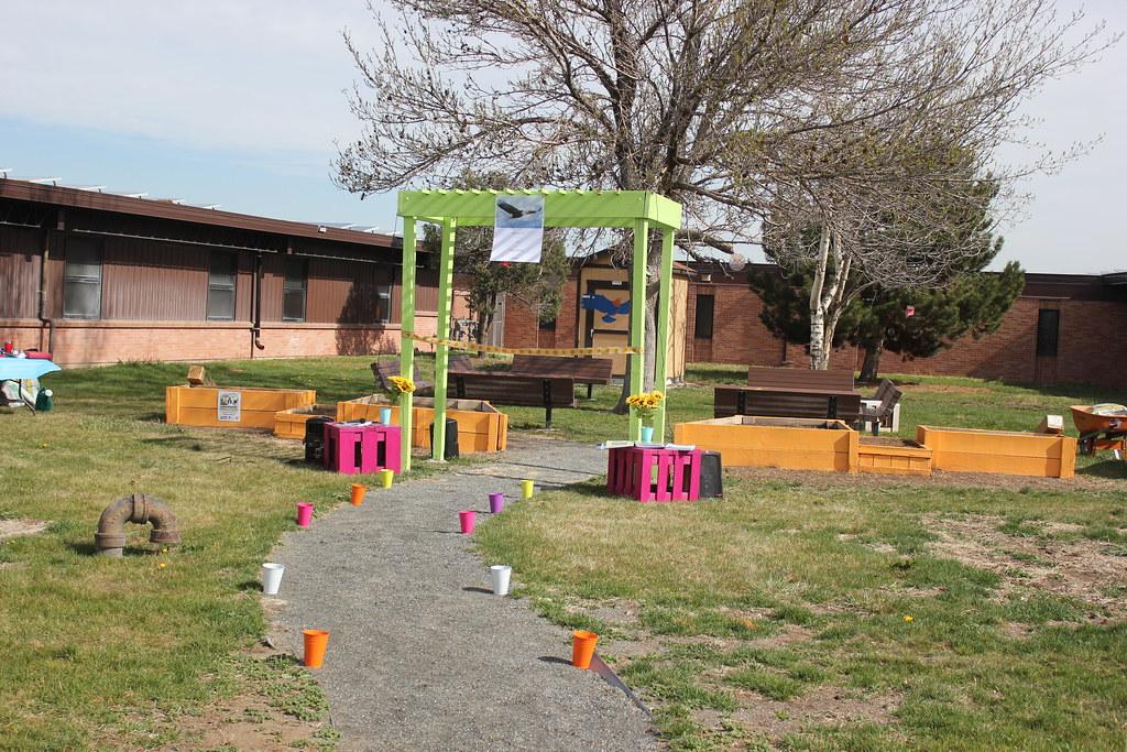 adams city middle school garden by usfws mountain prairie - Garden City Middle School
