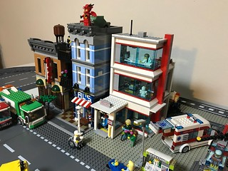 LEGO City Hospital 60204 looks right at home in my city next to the Detectives office | by GJBricks