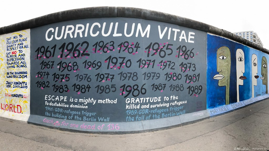9decfca8afb1e ... Curriculum Vitae at Berlin Wall