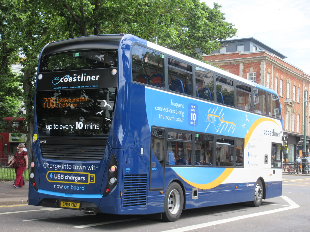 Brand New Stagecoach South 10958 SN18KNZ Coastliner 700 At Old Stine