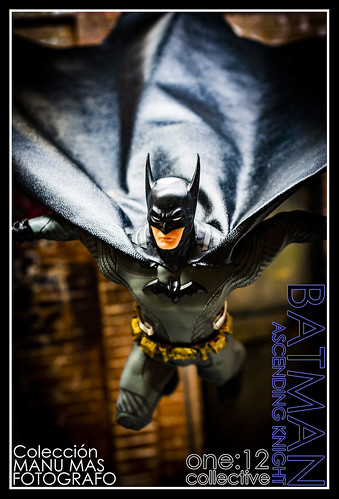 Mezco ONE:12 - Batman Ascending Knight | by manumasfotografo