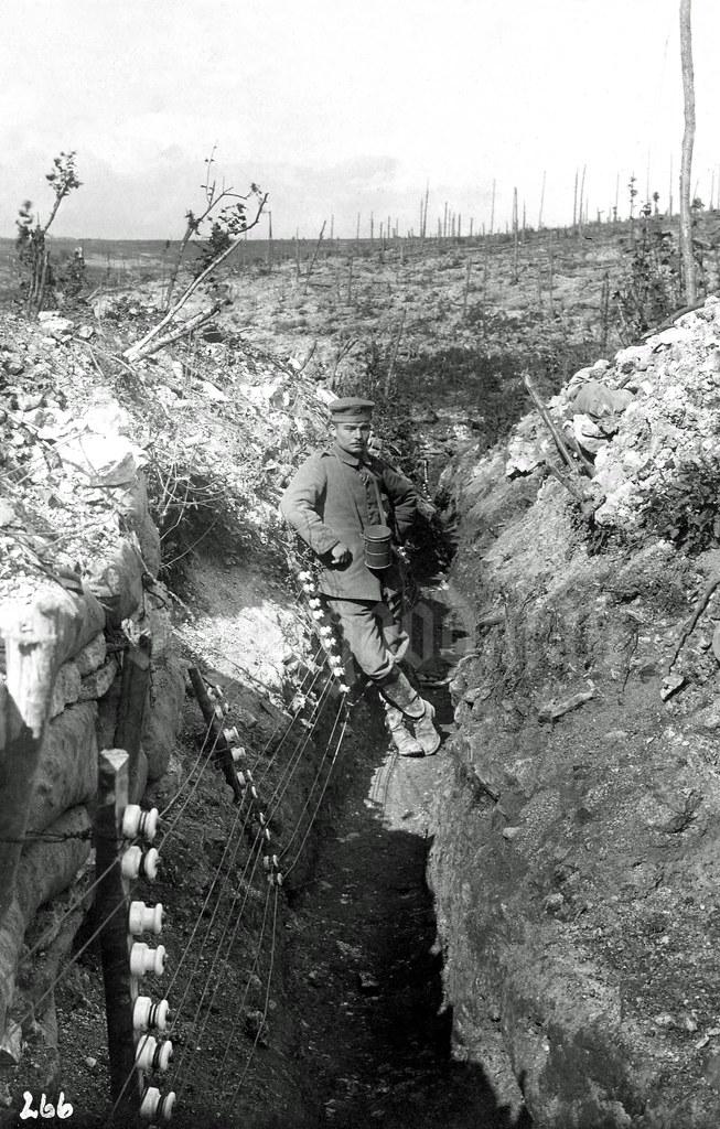 Lagerschlucht Bei Verdun 1916 Note On Reverse Title Ge Flickr