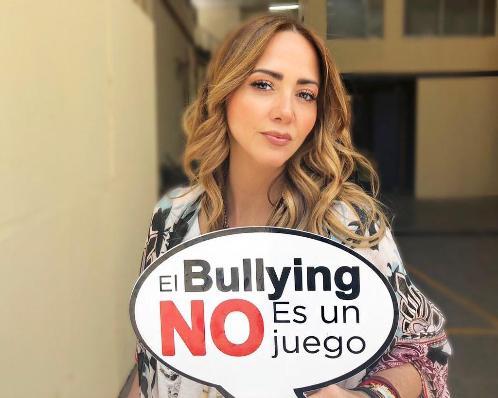 Andrea Legarreta By Elbullyingnoesunjuego Andrea Legarreta By Elbullyingnoesunjuego