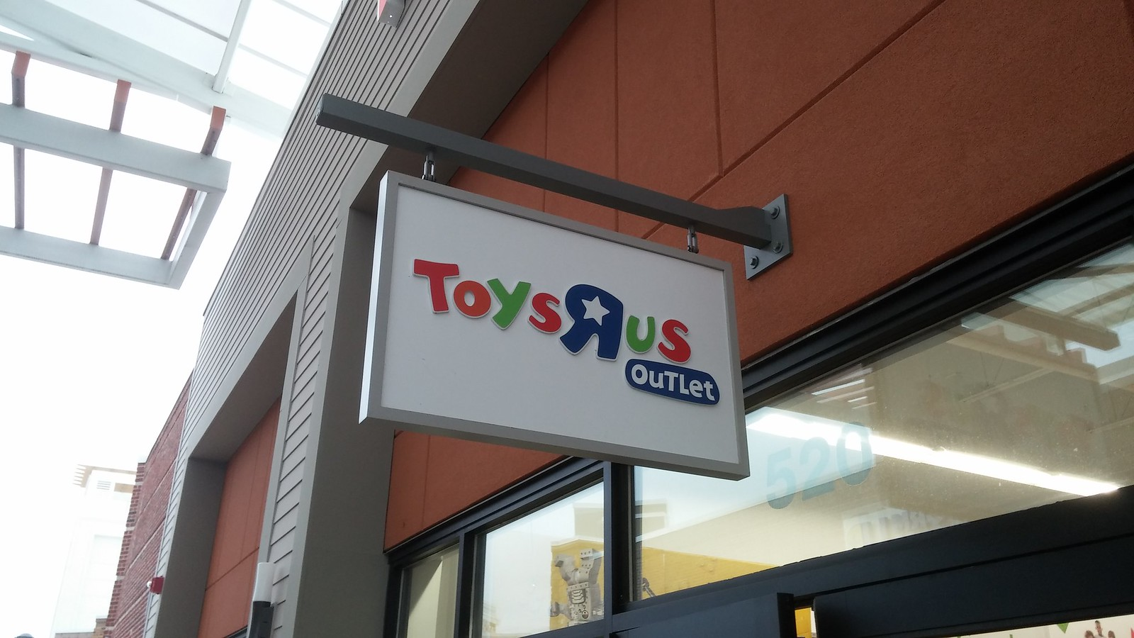 Toys R Us Outlet Closing Tanger Southaven Ms Flickr
