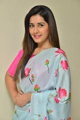 Raashi Khanna Latest Stills