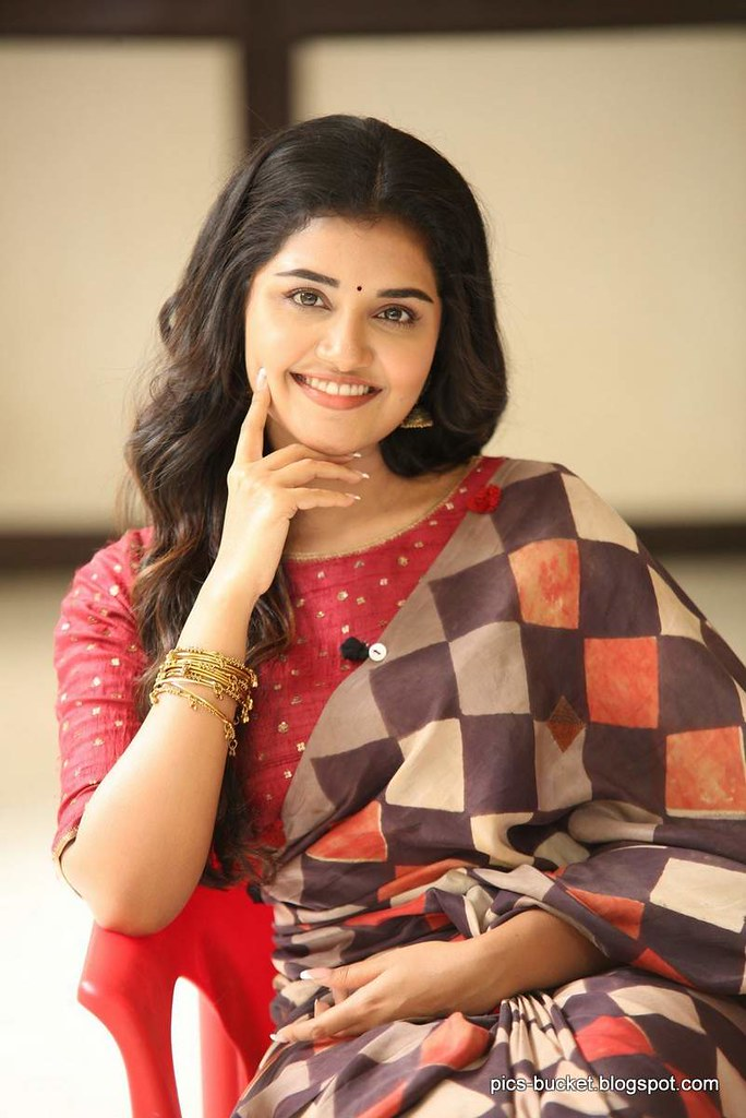 Actress Anupama Parameswaran Hd Images Actress Anupama Par Flickr