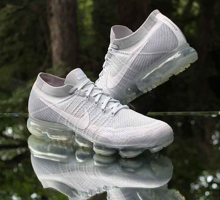 finest selection b623d 97a19 ... Nike Air VaporMax Flyknit Pure Platinum Wolf Grey 849558-004 Men s Size  13   by