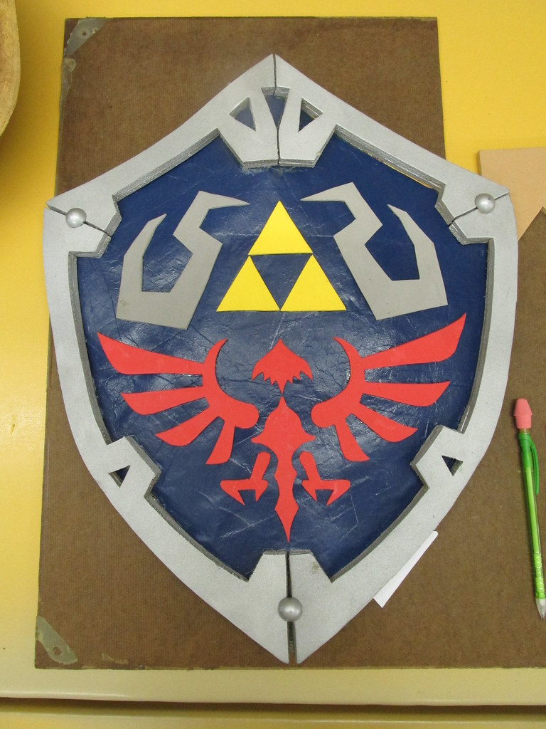 Hylian Shield For Link Cosplay I Made This For My Link Cos Flickr