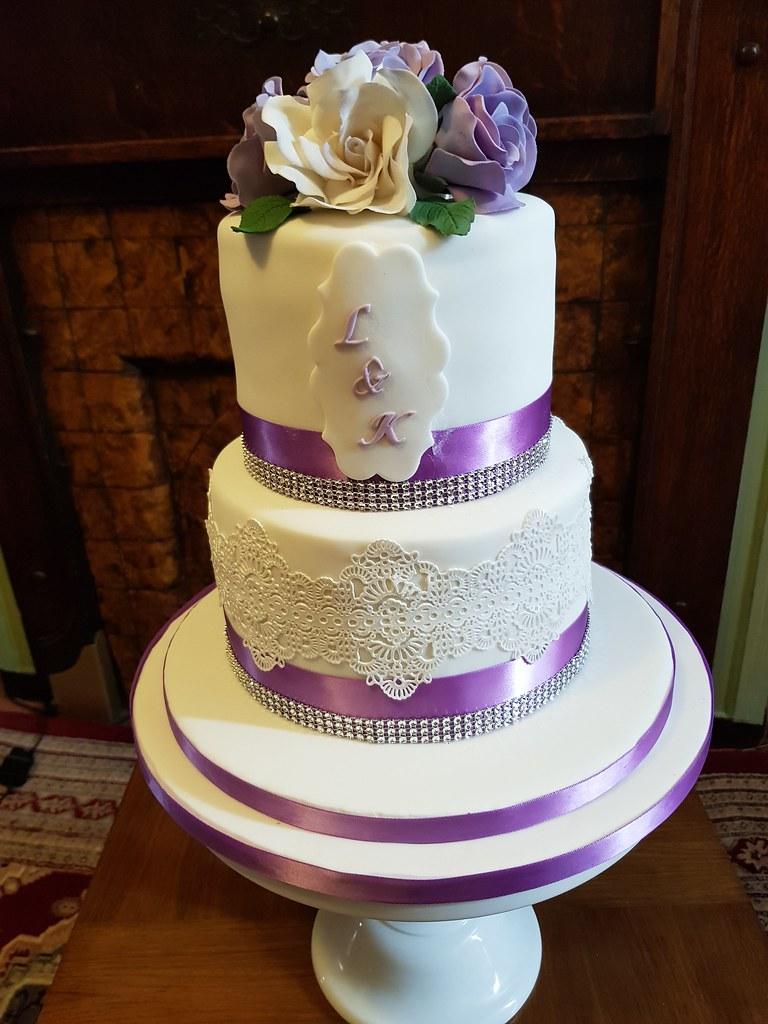 Small Two Tier Wedding Cake Wedding Cake Flavors