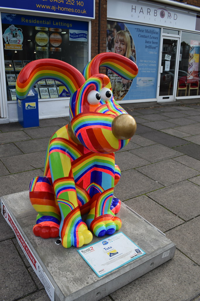 Toto | Flaxpits Lane, Winterbourne. Gromiit Unleashed 2 Trai… | Flickr
